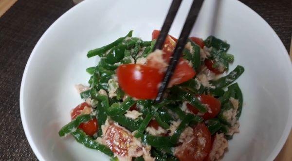 レシピ…俺の「無限ピーマン」を食べるところ(オリジナル写真)