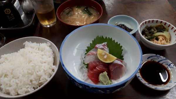 神戸 元町 金時食堂の刺身定食(オリジナル写真)