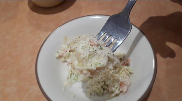 サイゼリヤのランチを食べているところ(オリジナル写真)