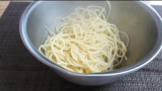 【レシピ パスタ】わさび菜とツナのスパゲッティのつくり方(オリジナル写真)