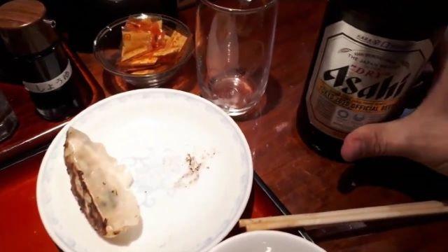垂水駅前「ラーメン 古潭(こたん)」での食事風景(オリジナル写真)