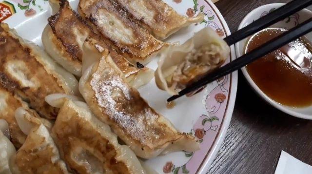 餃子の王将の餃子を食べる(オリジナル写真)