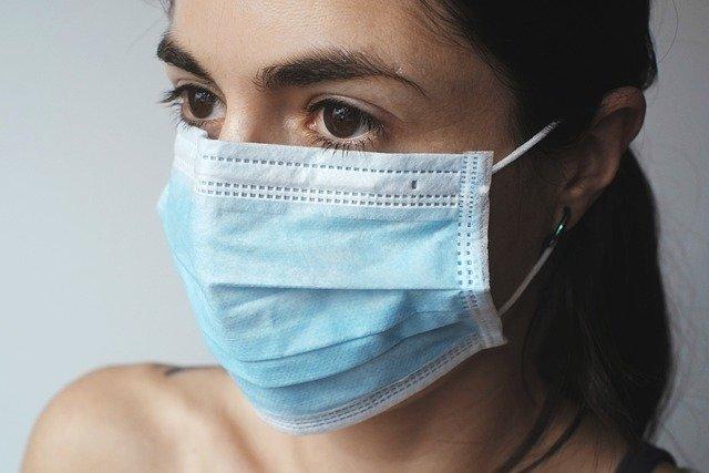 マスク頭痛のイメージ