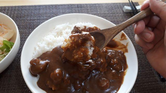 ヱスビー食品「フォン・ド・ボー ディナーカレー レトルト 辛口」レビュー!(オリジナル写真)