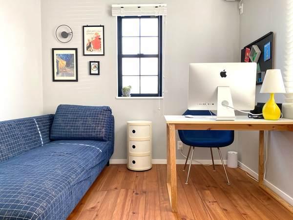 模様替えでワークスペースを快適化。部屋を広く見せる配置のコツは余白作り