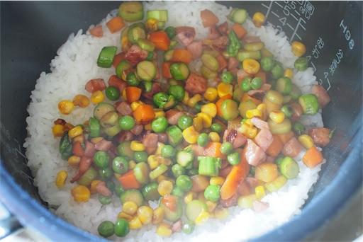 アスパラご飯を作る