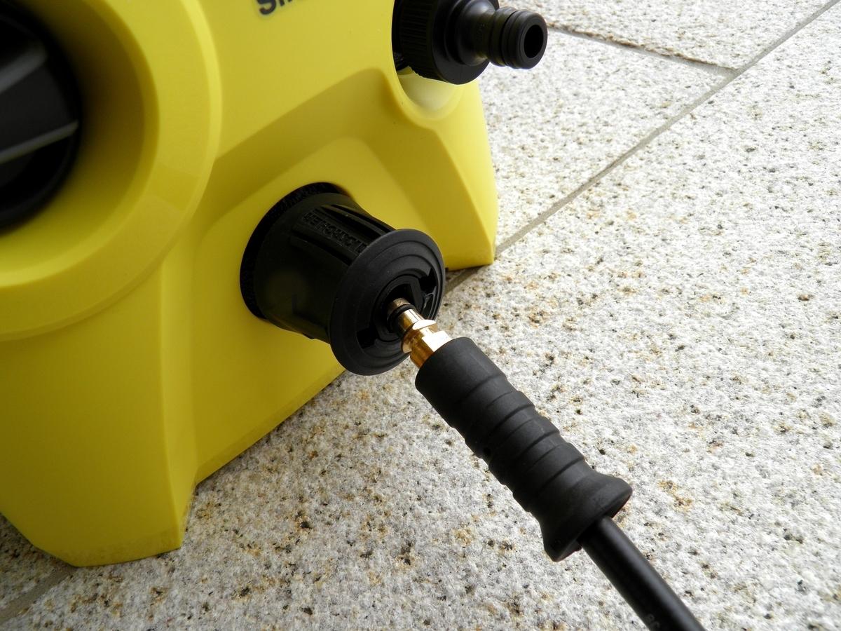 高圧洗浄機本体への高圧ホースの接続