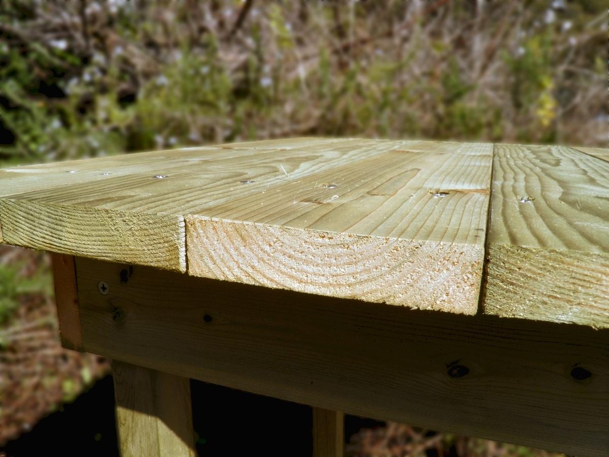 ガーデンテーブルの天板の写真