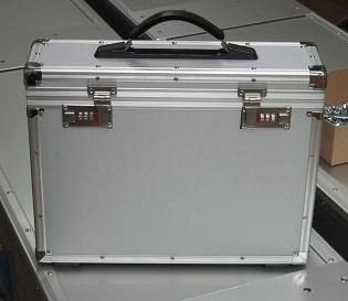 カメラケース ダイヤル錠.jpg