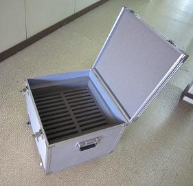 iPad 保管・運搬に特注アルミケース