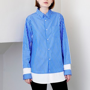 ブルーのストライプ柄シャツ