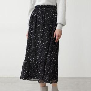ドット柄のスカート