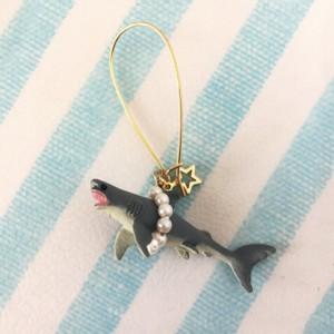 サメのピアス