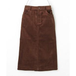 ブラウンのスカート