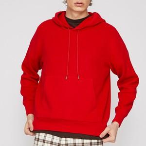 赤いパーカー