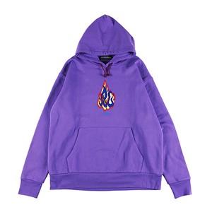 紫のパーカー