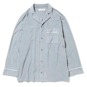 パジャマのシャツ