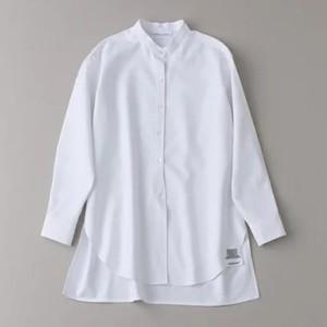 白いバンドカラーシャツ