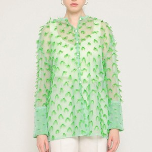 グリーンのシアーシャツ