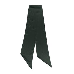 グリーンのスカーフ