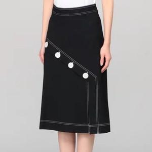 ボタン付きステッチスカート