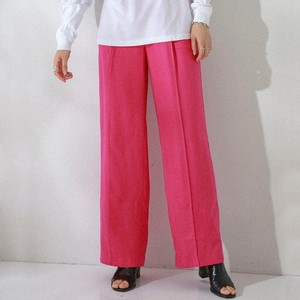ピンク色のパンツ