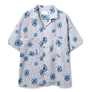 総柄グラフィックシャツ