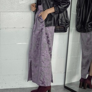 パープルのスカート