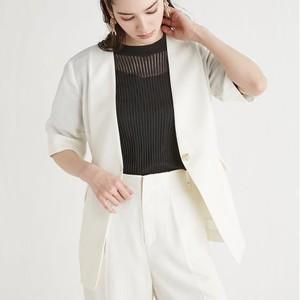 白いジャケット