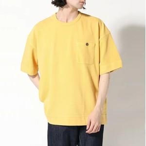 イエローのTシャツ