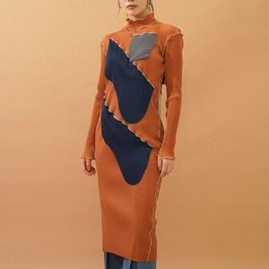 ハイネックドレス