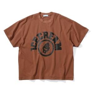 ブラウンのロゴTシャツ