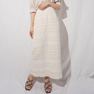 白い刺繍スカート