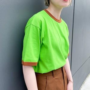グリーンのリンガーTシャツ
