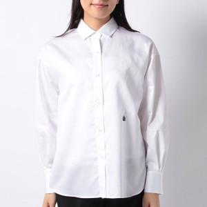 白いシャツ