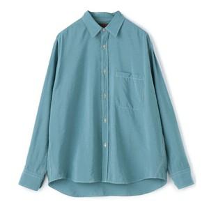 ブルーのシャツ