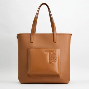 ブラウンのレザーバッグ