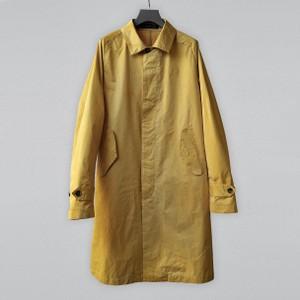 イエローのコート