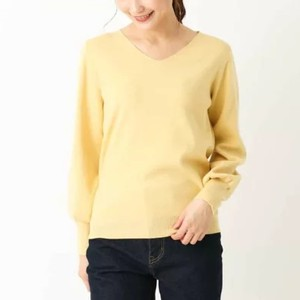 イエローのセーター