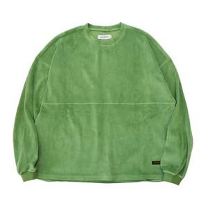 グリーンのトップス