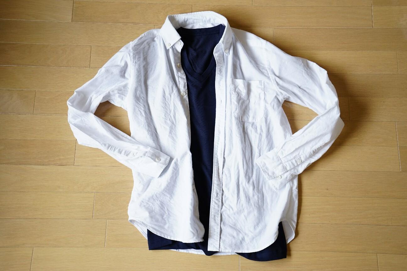 ユニクロの無地Tシャツ(ドライカラーVネックTシャツ)着こなし1