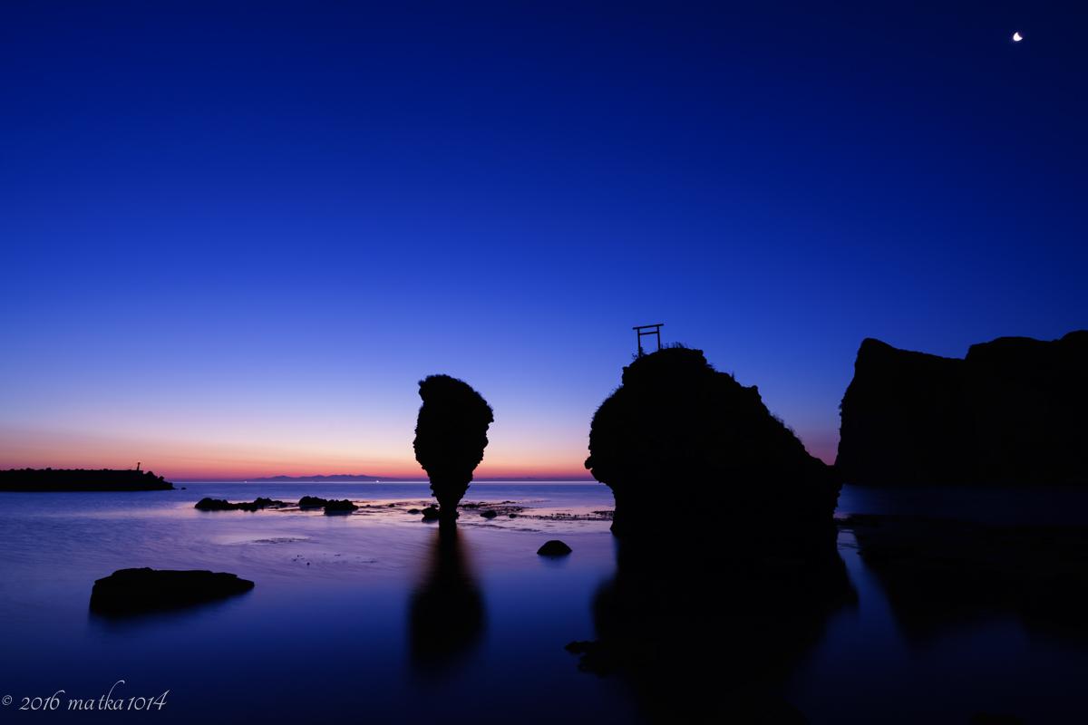 えびす岩で朝日を撮影