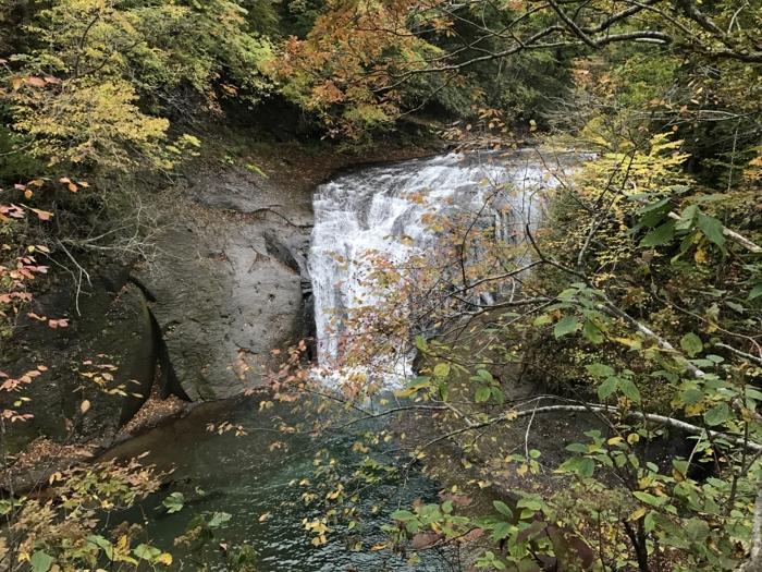白扇の滝2016年紅葉