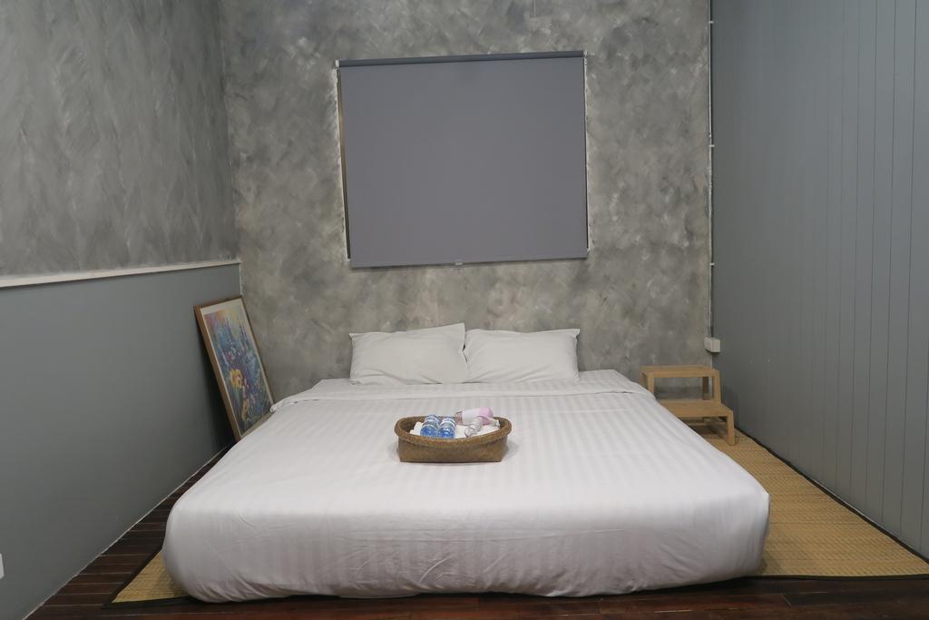 部屋にある大きなベッド