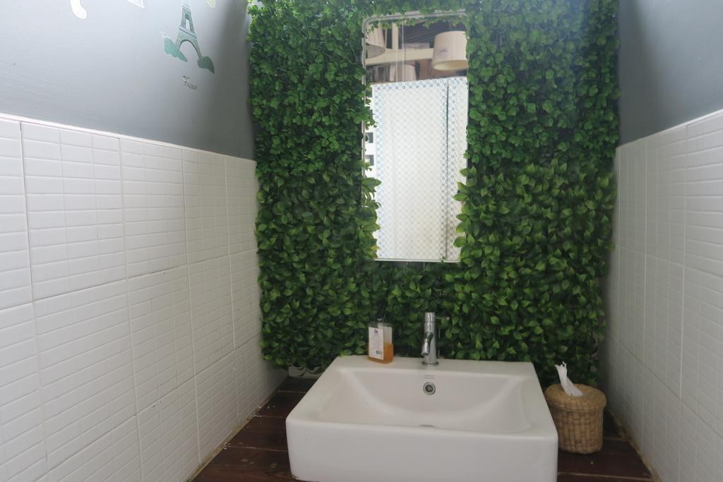 グリーンがさわやかな洗面所