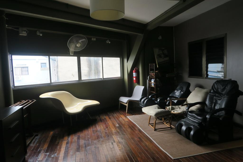 ソファが置かれた共有スペース