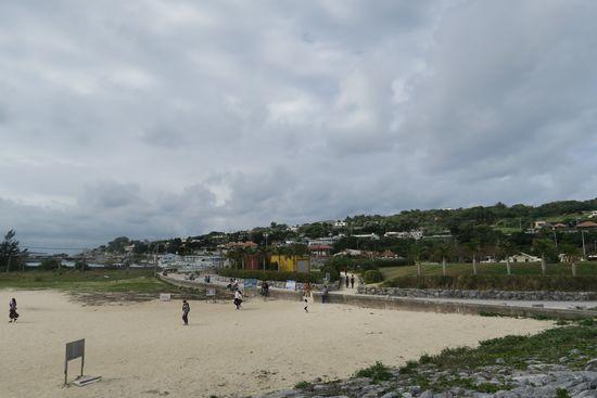 古宇利大橋の上から見た浜辺