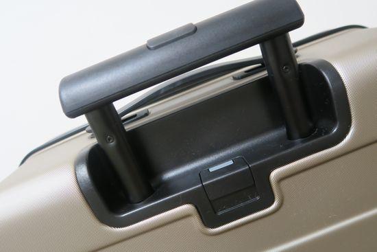 無印良品のスーツケースのハンドル調整部とロック仕様