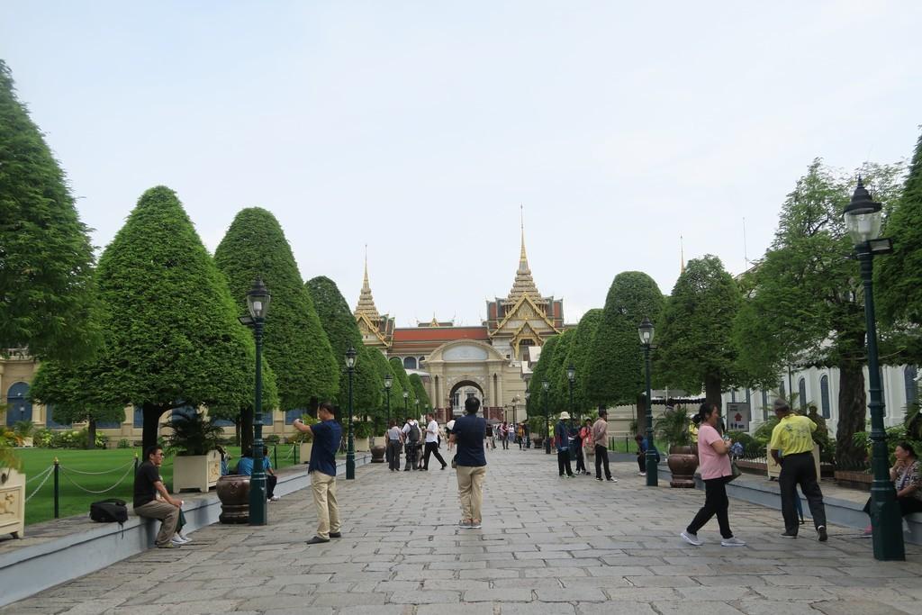 王宮内の広場