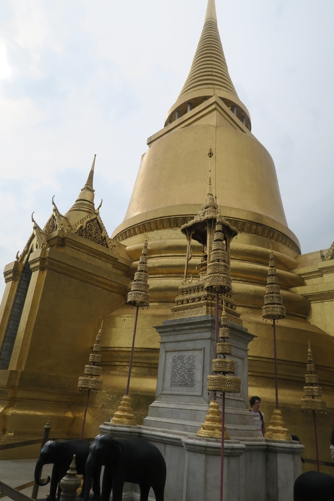 黄金の仏塔
